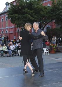 Tango, Centennial Square Victoria, 2008 Photos by Murray Polson